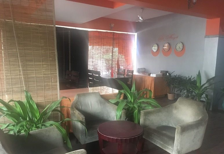 Ocean Waves Suits & Studio, Hyderabad, Lobby Sitting Area