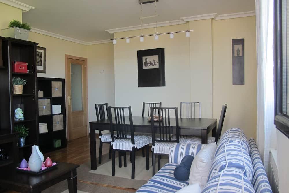 Lejlighed - 2 soveværelser - havudsigt - Opholdsområde