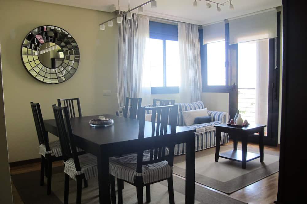 Lejlighed - 2 soveværelser - havudsigt - Spisning på værelset