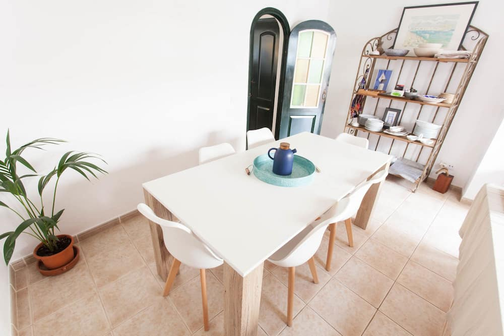 Appartement, 4 chambres, terrasse - Restauration dans la chambre