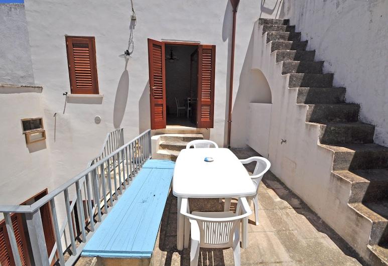 Corte dei Marzani II, Racale, Terrace/Patio