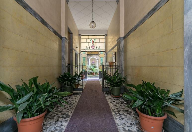 notaMi - Titty House Crocetta, Milan, Interior Entrance