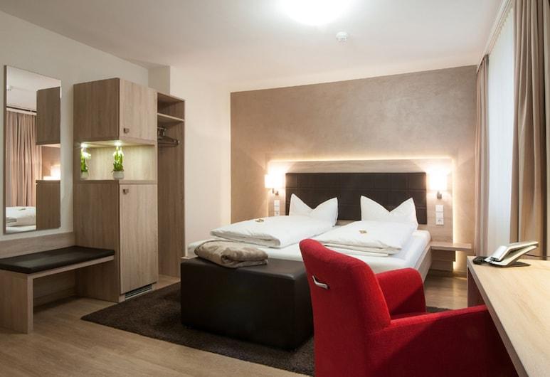Hotel - Restaurant Hirsch, Heimsheim, Standard Double Room (Anbau 1), Guest Room