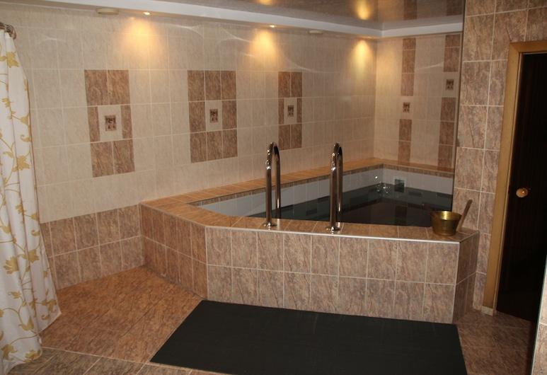 Отель Alpari, Иркутская обл., Закрытый бассейн