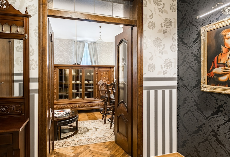Exclusive Royal Apartments, Krakow, Royal Apartment, 1 Queen Bed, Living Area