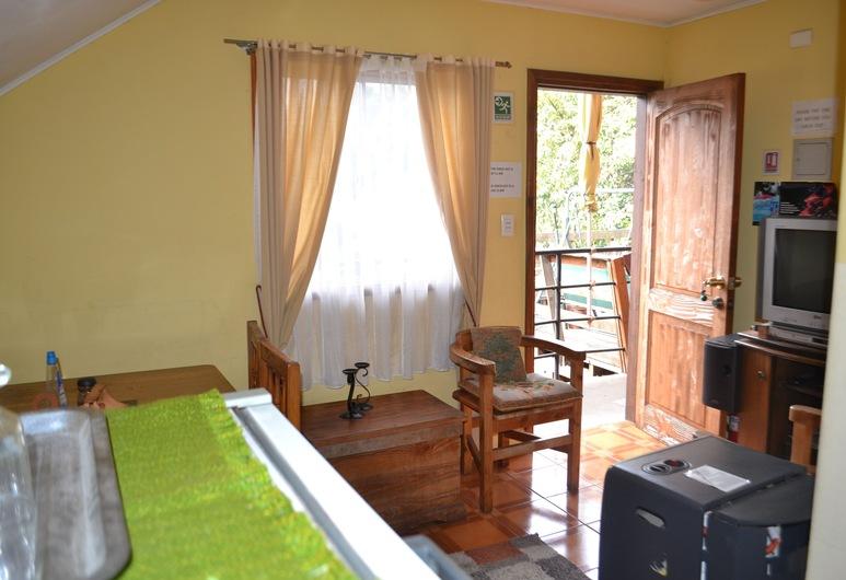 Hostal Wohlenberg, Pucón, Apartamento estándar, 2 habitaciones, cocina básica, Comida en la habitación