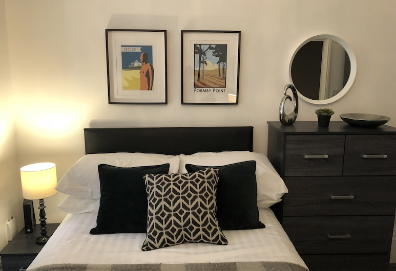 Ampthill Studios, Liverpool, Basic Double Room, Ensuite, City View (Room ), Guest Room