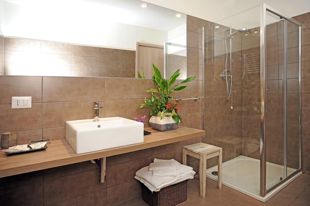 Standaard kamer, 1 twee- of 2 eenpersoonsbedden, 1 slaapkamer, Uitzicht op de stad - Badkamer