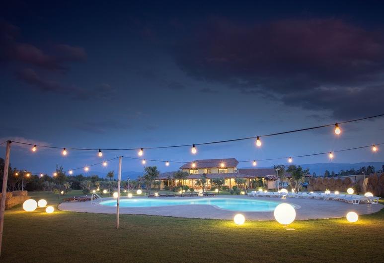 莎露迪崔古農莊飯店, 伊格萊西亞斯, 室外游泳池