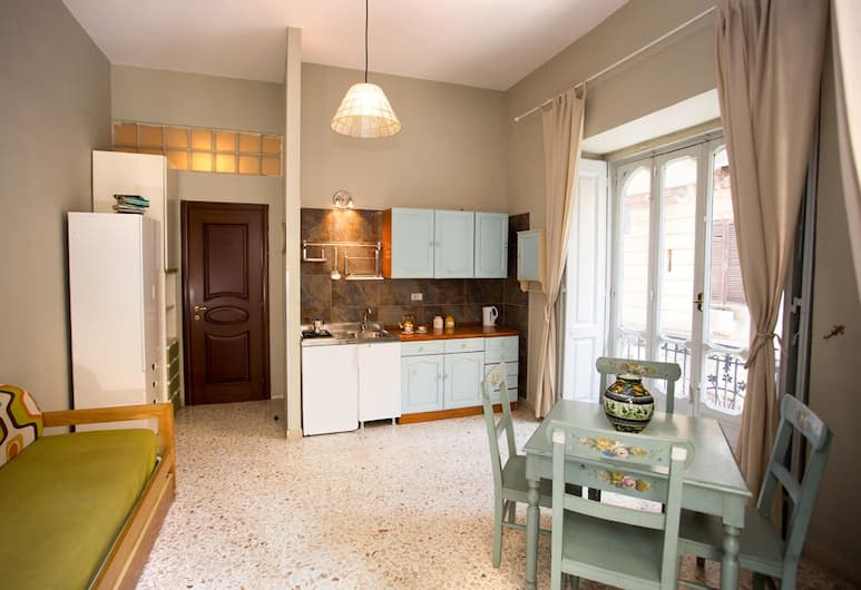 NANA Group Budget Apartment - Street of Museum II BH 99, Naples, Apartment, 1 Bedroom, Living Area