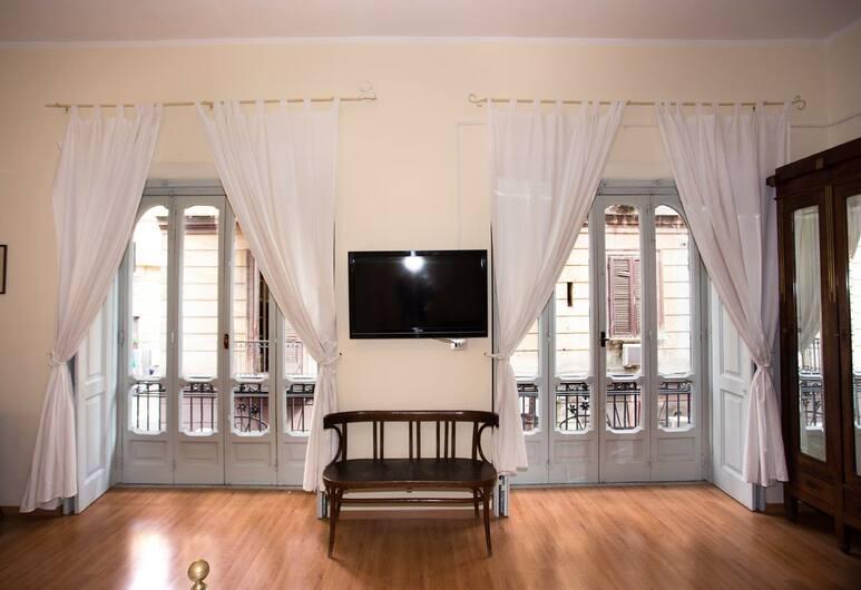 NANA Group Budget Apartment - Street of Museum III BH 100, Naples, Apartemen, 3 kamar tidur, Area Keluarga