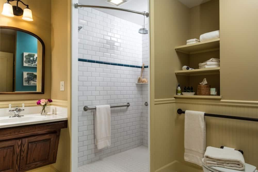 House, Private Bathroom (Whole House) - Bilik mandi