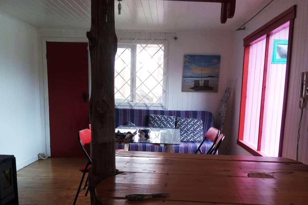 Standard Shared Dormitory, Mixed Dorm, Kitchen, Garden Area - Living Room
