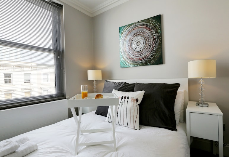 Find Your Freedom, Without Leaving Home. 10D, London, Apartment, 2 Bedrooms, Room