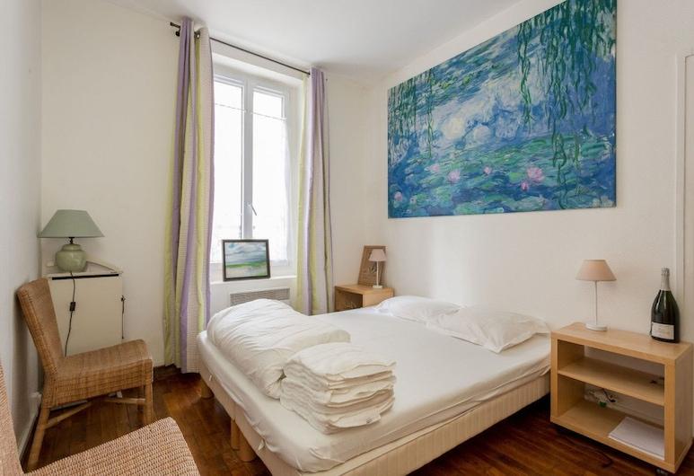 Charming Flat Grenelle, Paris, Room
