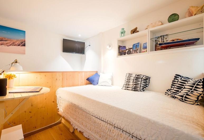"A ""boat Cabin"" in the Heart of Bordeaux, Bordeaux, Appartamento (0 Bedroom), Camera"