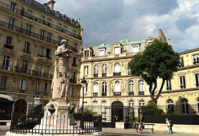 REX Duplex With Terrace, Paryż, Z zewnątrz