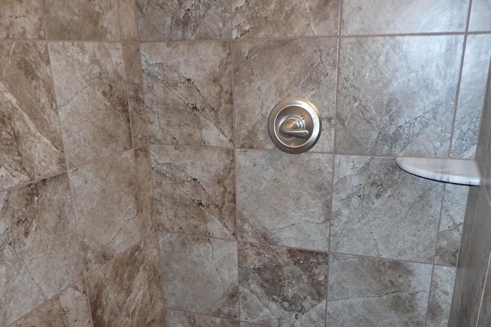 Süit, Banyolu/Duşlu (Room 204 - Ruth's Suite) - Banyo