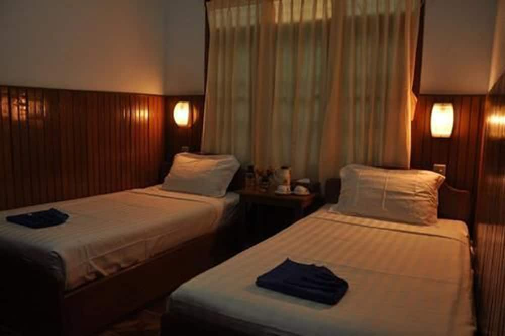 Standard Double or Twin room with Shared Bath Room - Guest Room