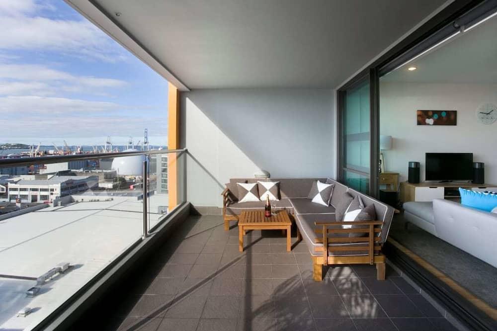 Panoramic Apartment, 3 Bedrooms - Balcony