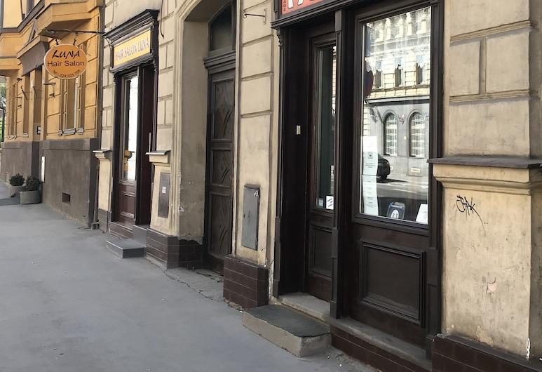 Hostel Advantage, Praga, Entrada do hotel