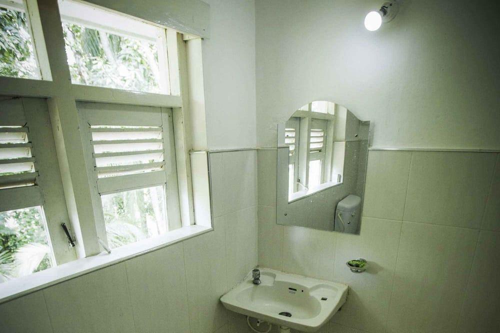 Dormitorio compartido - Baño