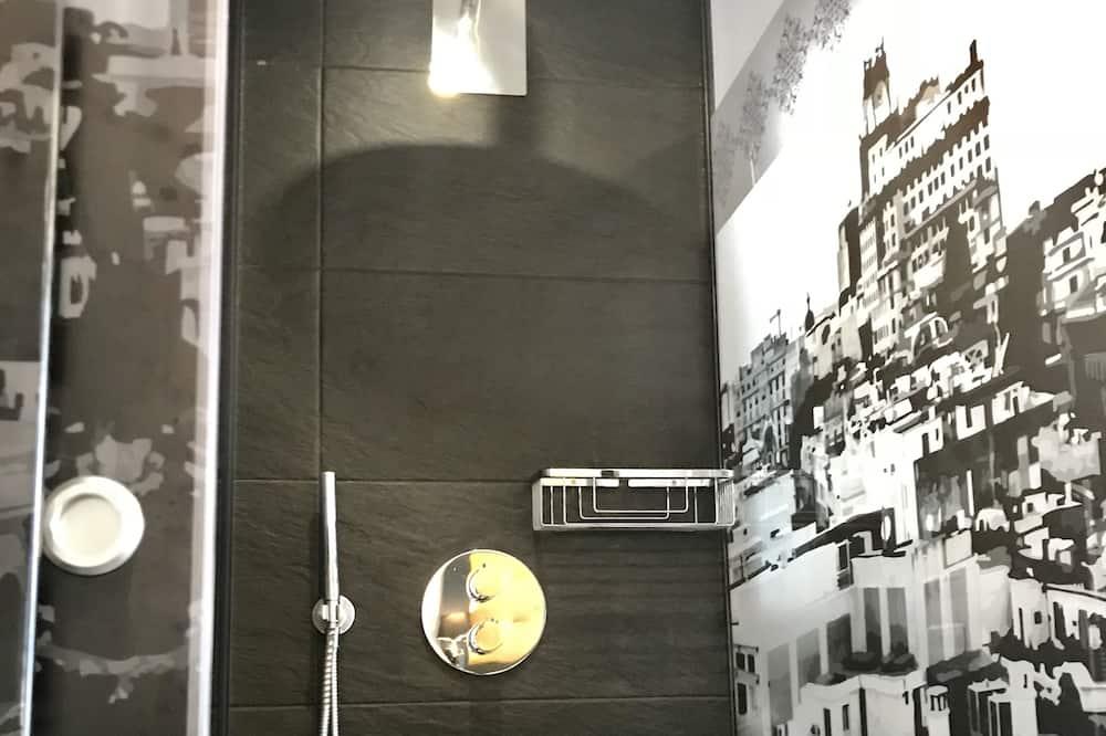 Single Room - Bathroom Shower