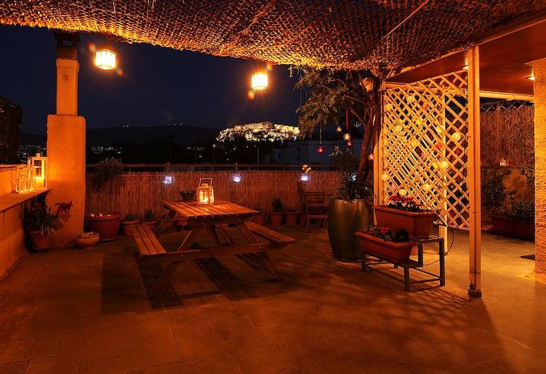 Romantic Apt with Penthouse & Acropolis View, Αθήνα, Αίθριο/βεράντα