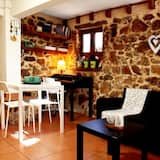 Sweet stone apartment in Imittos
