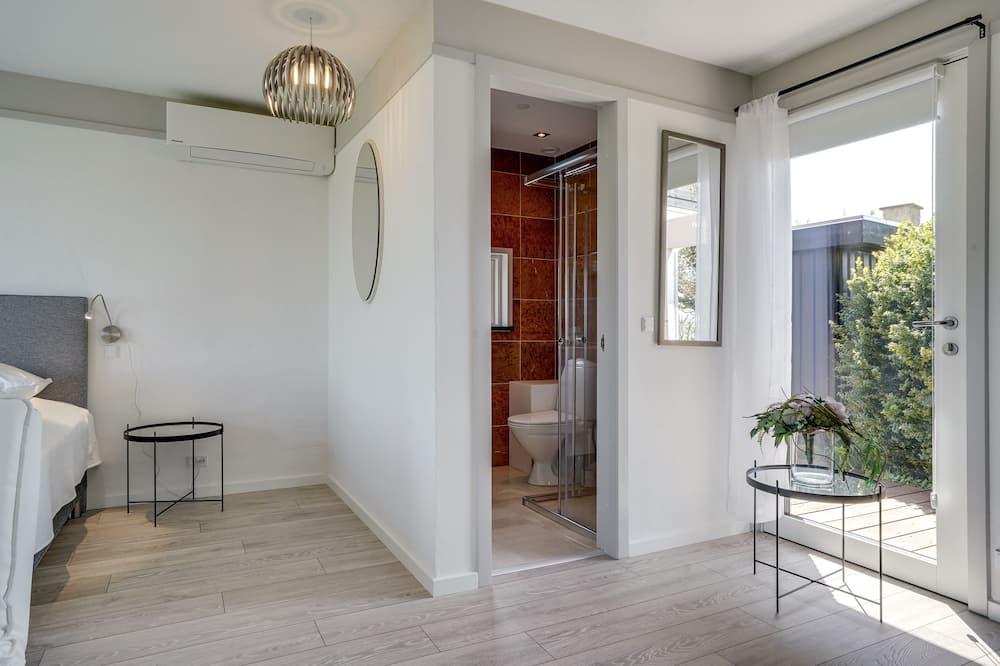 Luxury Cottage, Hot Tub, Beachfront - Bathroom