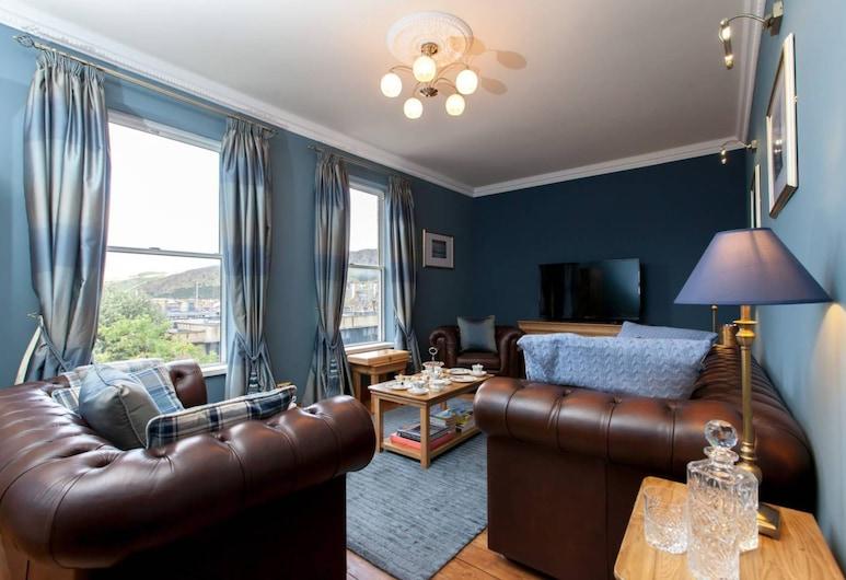 2 Bedroom City Centre Duplex Apartment, Edinburgh