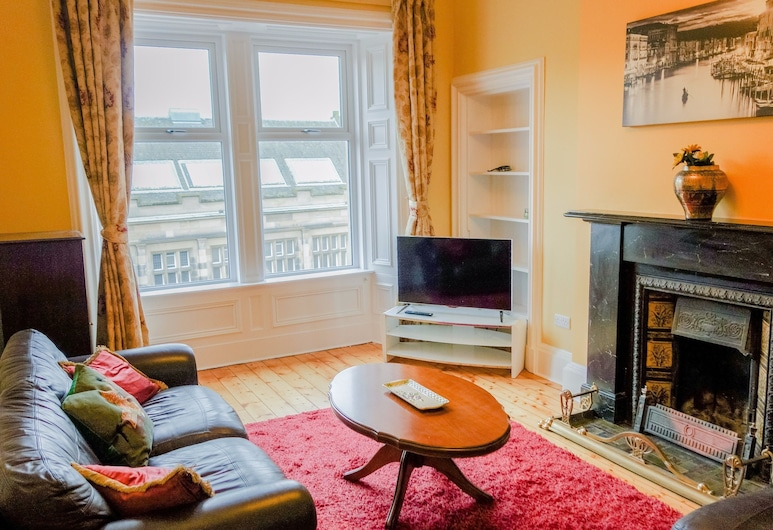 2 Bedroom Flat On Leith Walk, אדינבורו