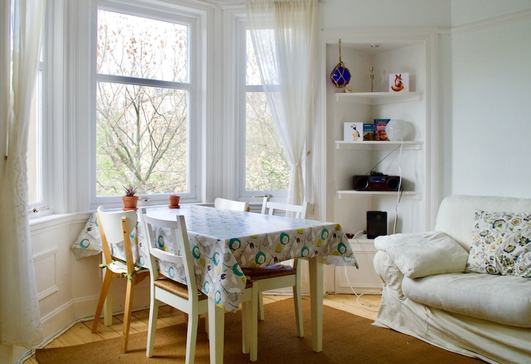 2 Bedroom Flat By The Water Of Leith, Edinburgh