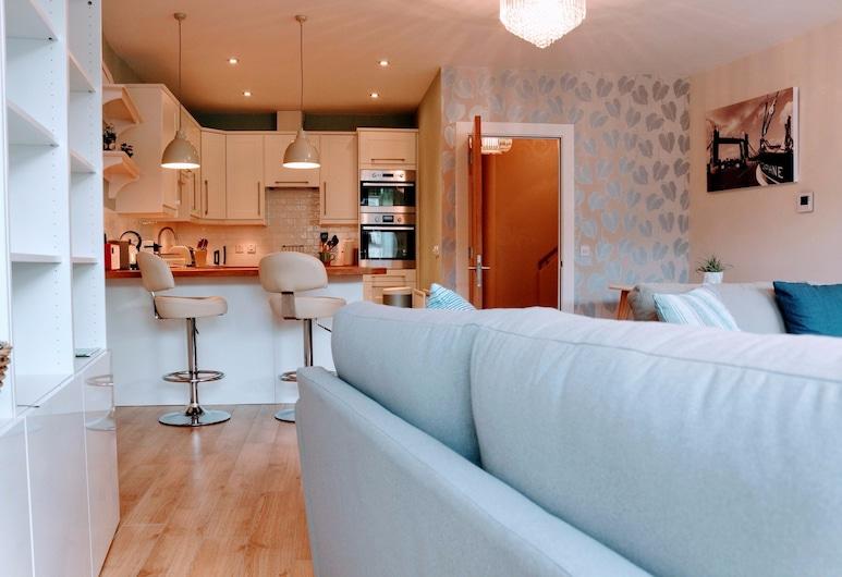 2 Bedroom Apartment In The Heart Of The City, Edinburgh, Appartement (2 Bedrooms), Woonruimte