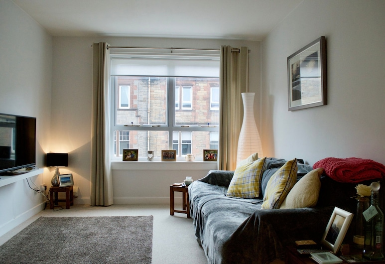 2 Bedroom Flat In Edinburgh, Edinburgh