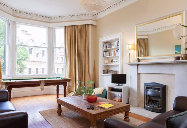 4 Bedroom Apartment Near The Meadows, Edinburgh, Appartement (4 Bedrooms), Woonruimte