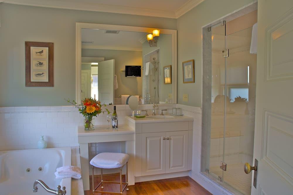 Deluxe Double Room Single Use (Touro) - Bathroom