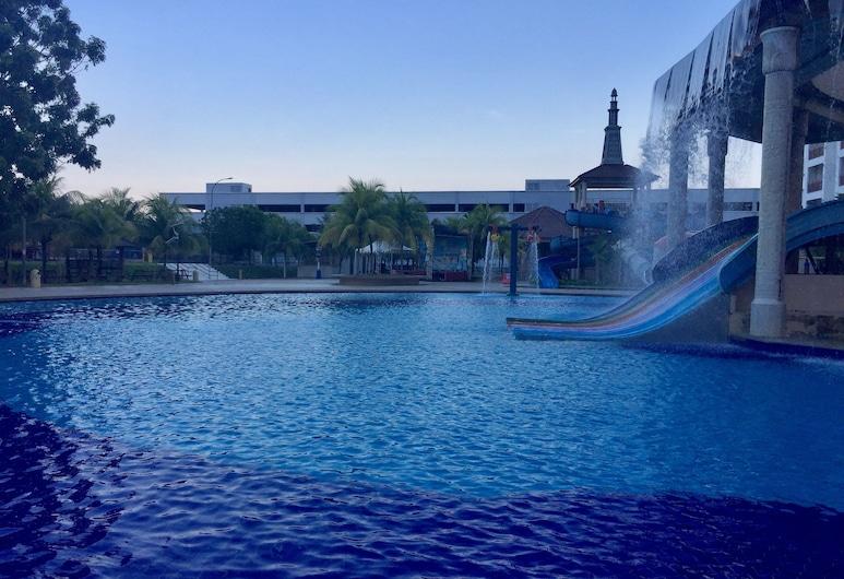 Bayou Lagoon Park Resort Residence, Malacca City, Escorrega aquático