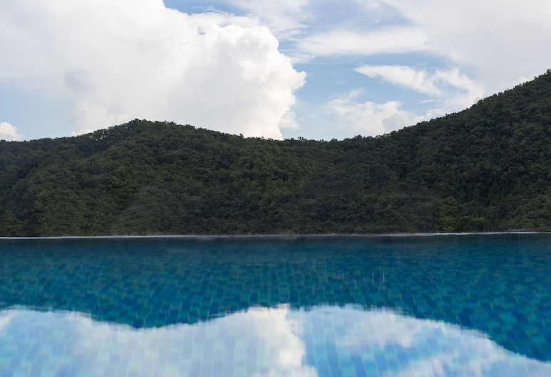 Bodhi Suites Boutique Hotel and Spa, Pokhara, Infinity Pool