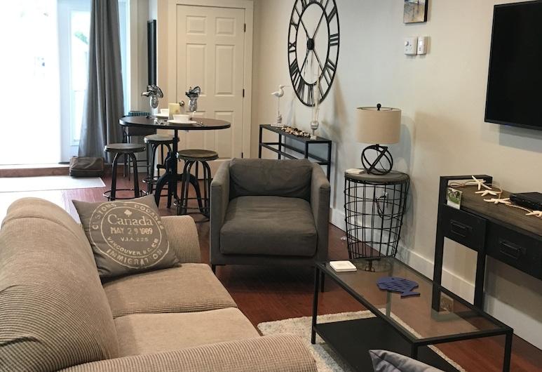 Fishermans Haven, Mahone Bay, Apartment, 1 Bedroom, Bay View, Living Room