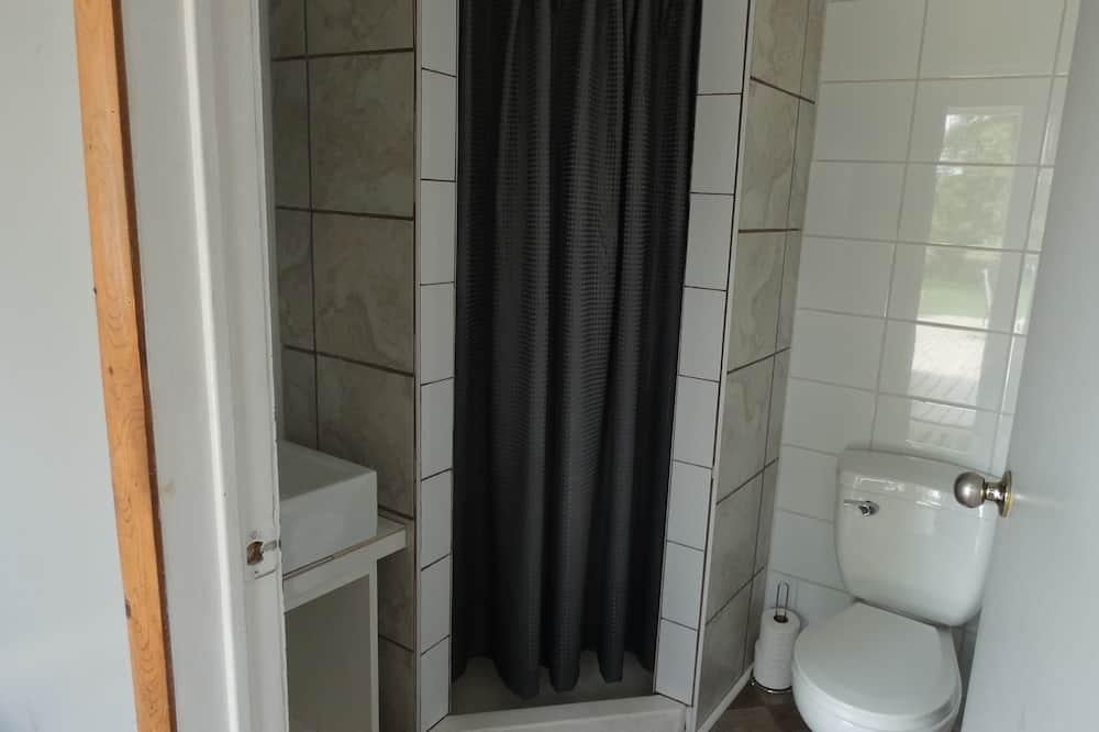 Kamar Double Basic, pemandangan kebun, area taman - Kamar mandi