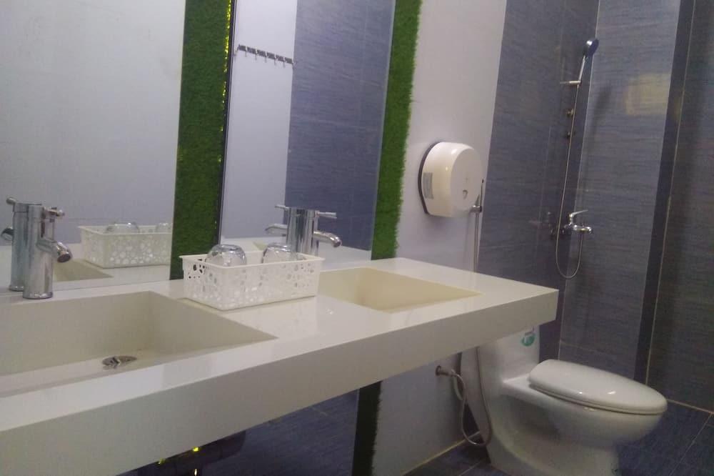 Загальне спальне приміщення, Змішаний дортуар (8 Beds) - Ванна кімната