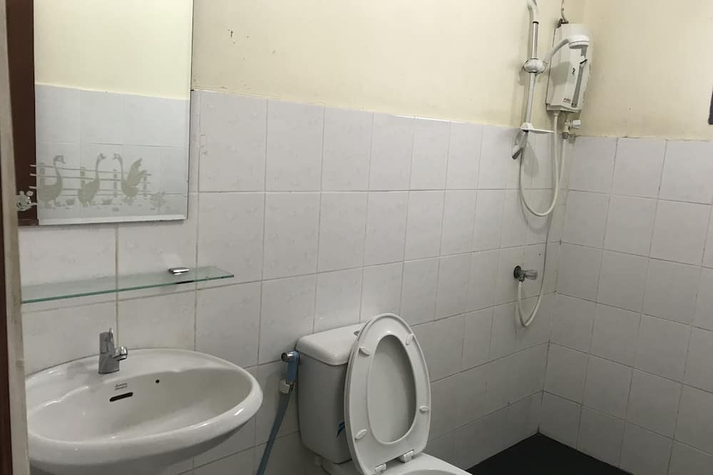 Basic Bungalow - Vonios kambarys