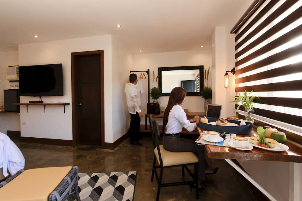 Phòng Suite Deluxe - Ăn uống tại phòng