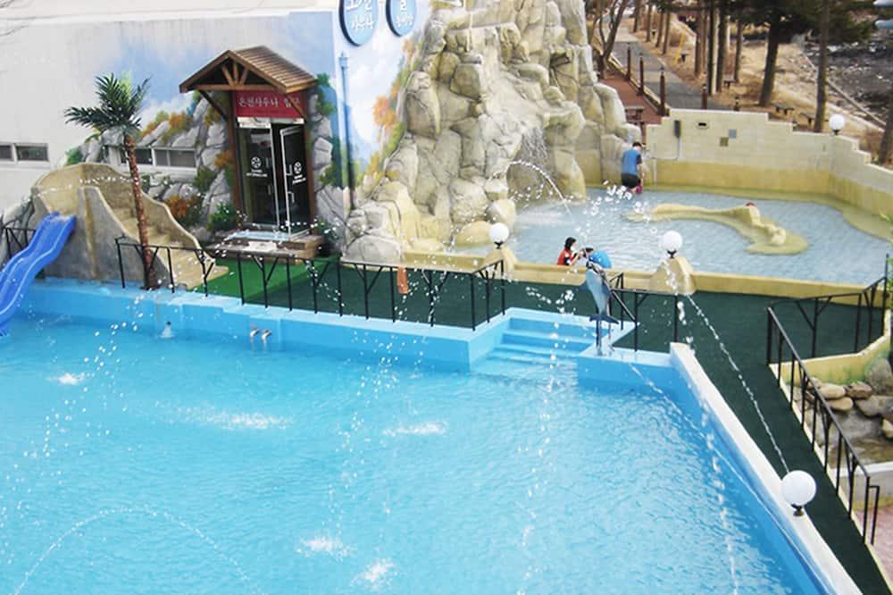 Buitenzwembad