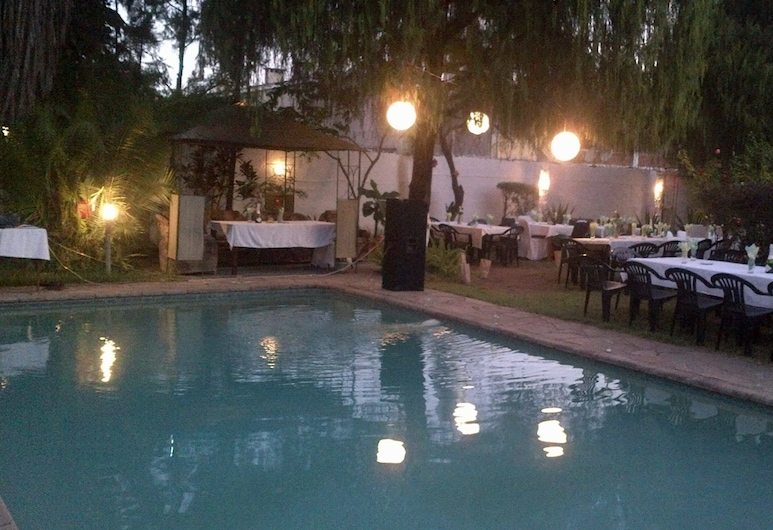 Nena Guest House, Lusaka, Outdoor Dining