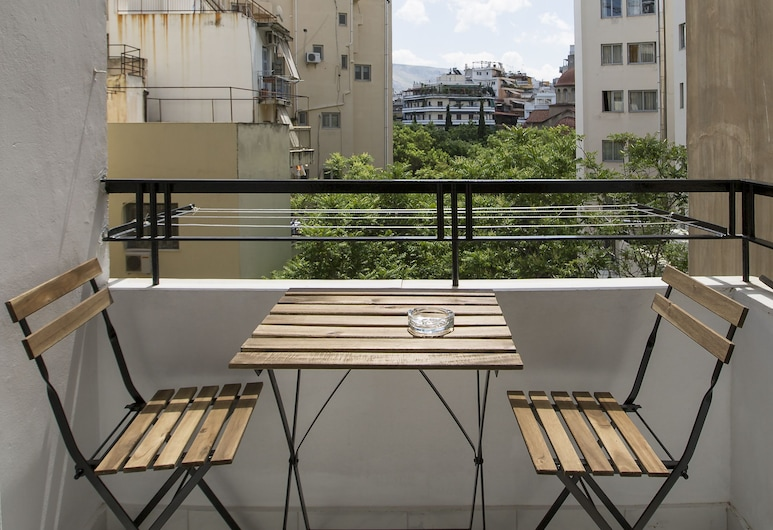 Attractive flat near Acropolis Museum, Athén, apartman, 2 hálószobával, Erkély