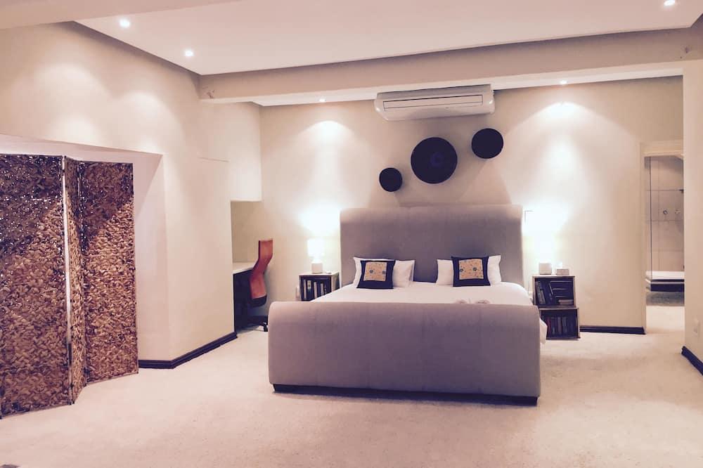 Luxury Penthouse, 2 Bedrooms - Room
