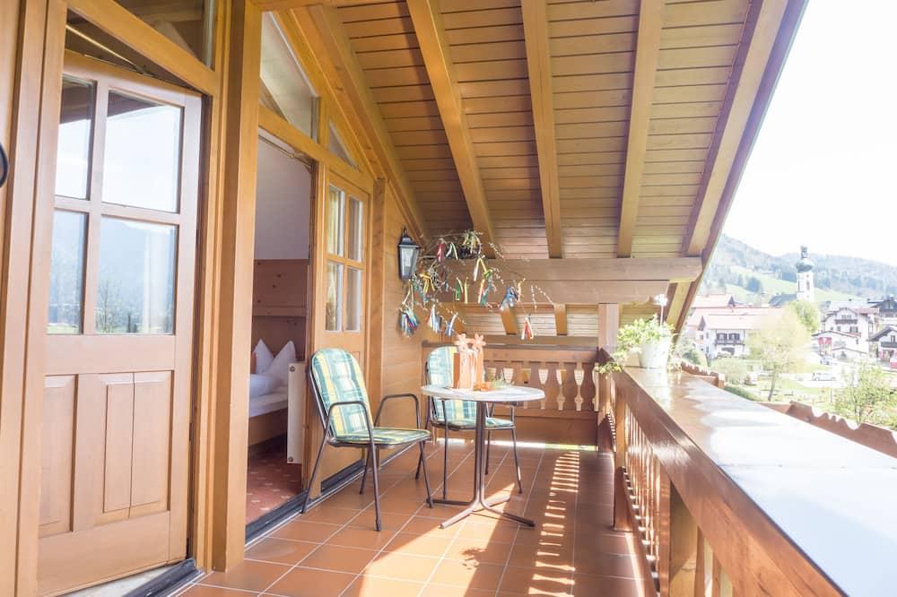 Premium Apartment, 2 Bedrooms, Balcony (7) - Balcony