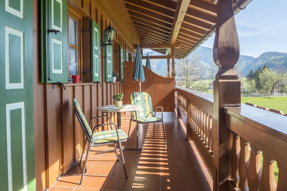Comfort Apartment, 2 Bedrooms, Balcony (5) - Balcony
